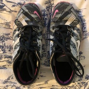 Nike womens shoe sz 7 multi color
